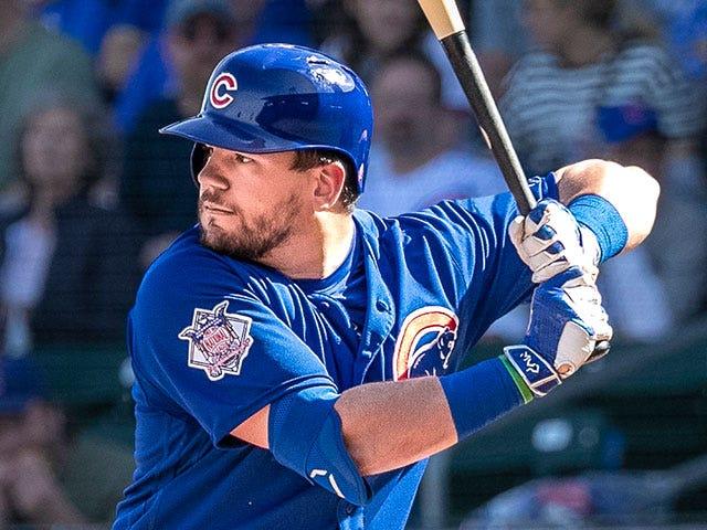 Kyle Schwarber lining up to bat