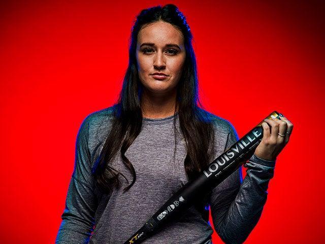 USA-Softball-Delaney-Spaulding-Louisville-Slugger-LXT-Fastpitch-Bat