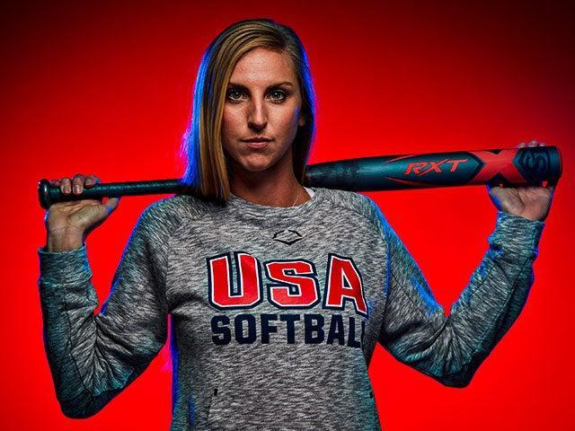 Aubree-Munro-USA-Softball-Louisville-Slugger-Fastpitch-Softball-Bat