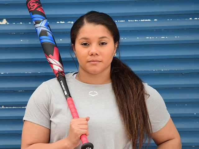 Kelsey-Stewart-USA-Softball-Louisville-Slugger-Fastpitch-Softball-Bat